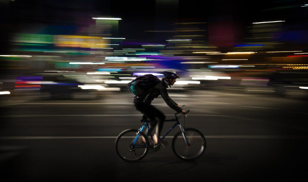 Hvad koster det bøde at køre uden lys på cyklen?